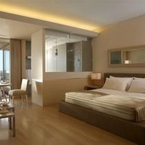 【レクリュ】砂浜をイメージさせるような自然の色合いを大切にした室内