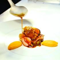 【ご夕食一例】独創的なフレンチをお楽しみください。
