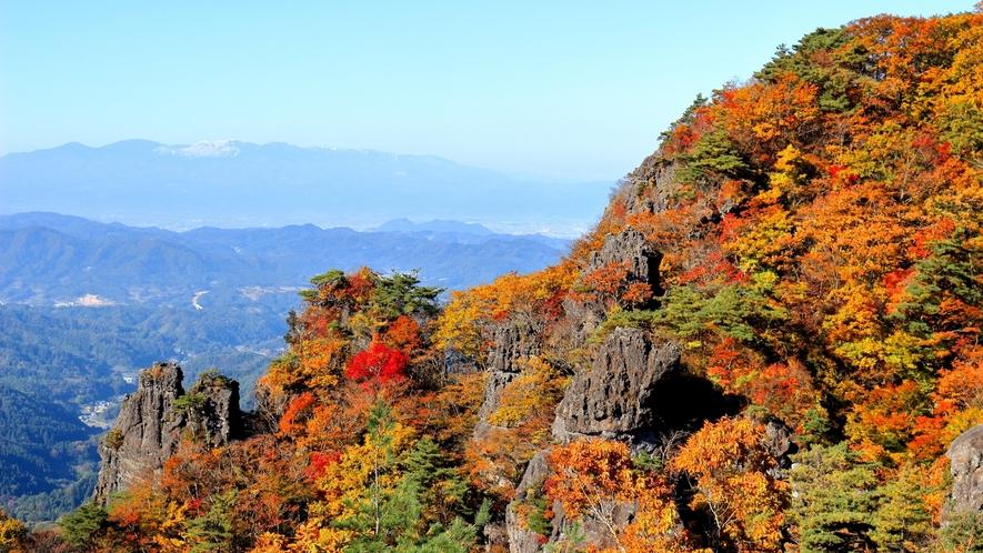 名峰 霊山(紅葉)