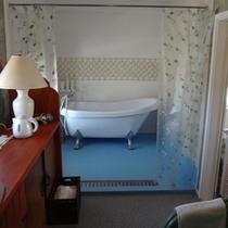 【305号室】3階リニューアル客室<バスルーム>