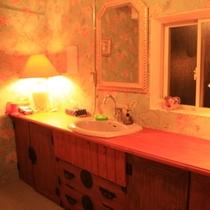 【305号室】3階リニューアル客室<洗面所>