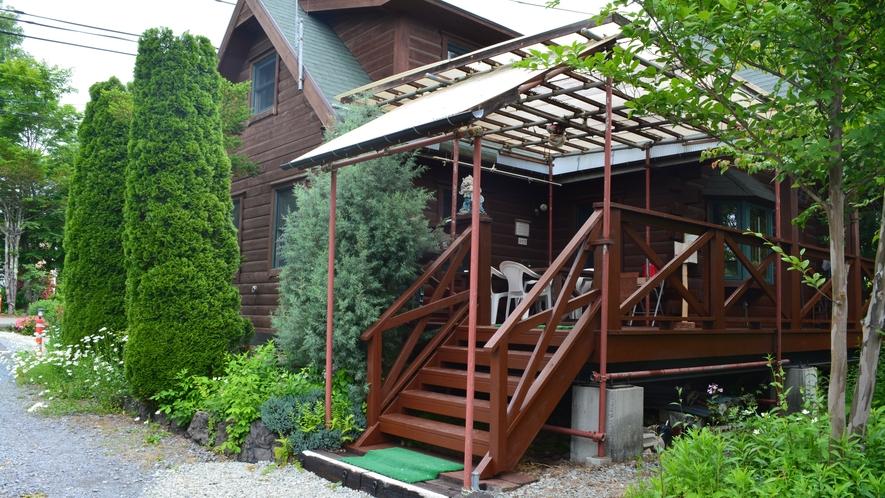 遊山荘入口