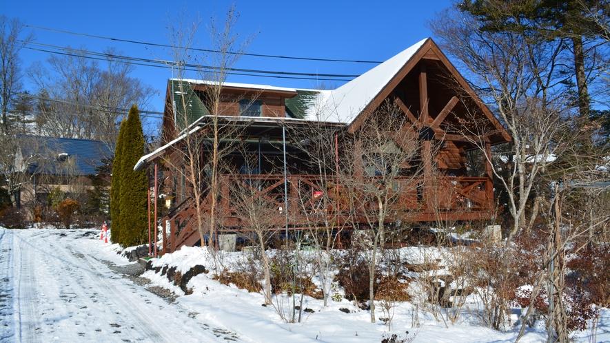 遊山荘冬季全景