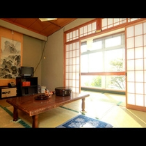 和室6畳のお部屋です。