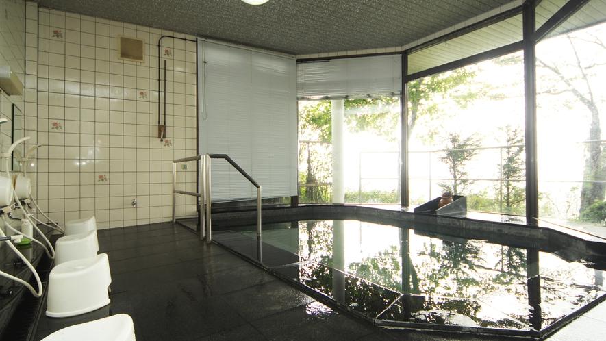 ■温泉-広々開放的な浴場・肌に優しいアルカリ単純泉の温泉です。