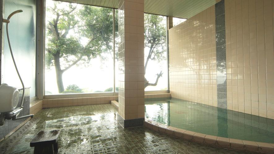 ■温泉-貸切家族風呂・中から鍵をかけて、ごゆっくりとおくつろぎください。