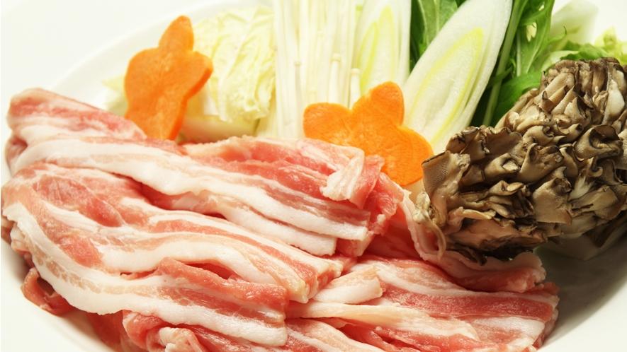 ■食事-極上の三元豚をしゃぶしゃぶで♪豚の脂が甘くて口の中で溶けていきます。-