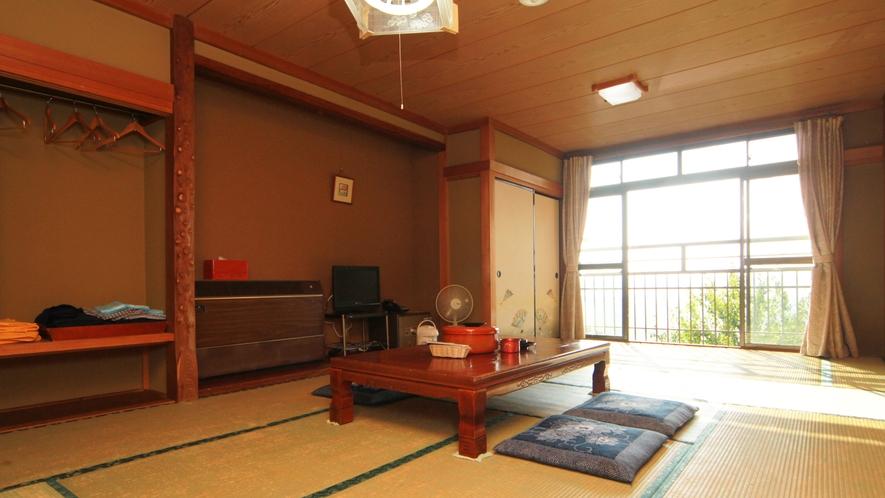 ■客室-12畳