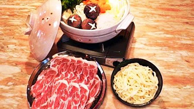 【冬季限定/2食付】サンタの森でほっこり温まる★選べる鍋料理+朝雑炊付きで楽々♪コテージ泊プラン