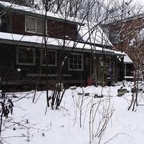 *【サンタヒルズ】雪が降るとまた違った印象に!雪あそびも楽しい♪