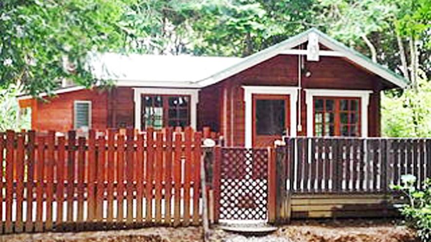 *【コテージ/ベル】手作りの木造コテージは、最大6人が宿泊可能。