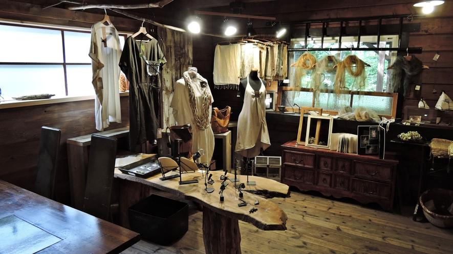 *【施設/ギャラリー】様々な雑貨販売や展示会など各種催しが楽しめます。