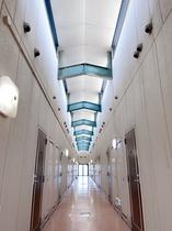 宿泊棟2F廊下