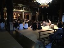 【西本願寺】朝のお勤め Monk Ceremony 徒歩10分 10min walk