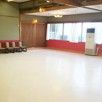 ダンスホール「マーメイド」