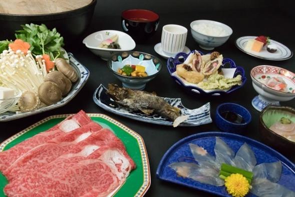【厳選飛騨牛しゃぶしゃぶ】&名物河ふぐ料理付☆12,960円