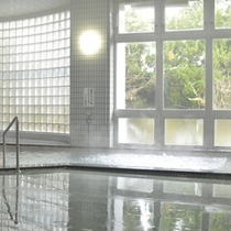 *【温泉】pH9.4とアルカリ性の高い単純温泉です。入浴後は、お肌もしっとり、スベスベに。