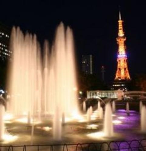 夜の大通公園と噴水1