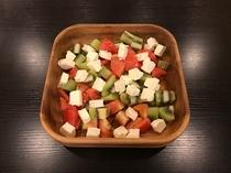 手作りサラダ例(クリームチーズとキウイサラダ)
