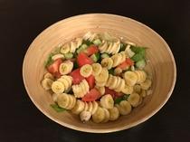 手作りサラダ(リンゴ酢バナナサラダ)