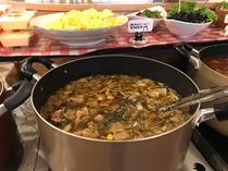 手作り煮込み、鍋料理(例 カルビスープ)