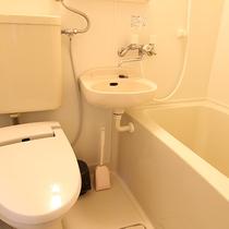 *【風呂】コテージ内のお風呂も源泉掛け流しの湯となっております。