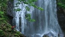 【小野川不動滝】小野川湖の上流にあるな滝。滝のある場所に不動明王が祀られていることが名前の由来。
