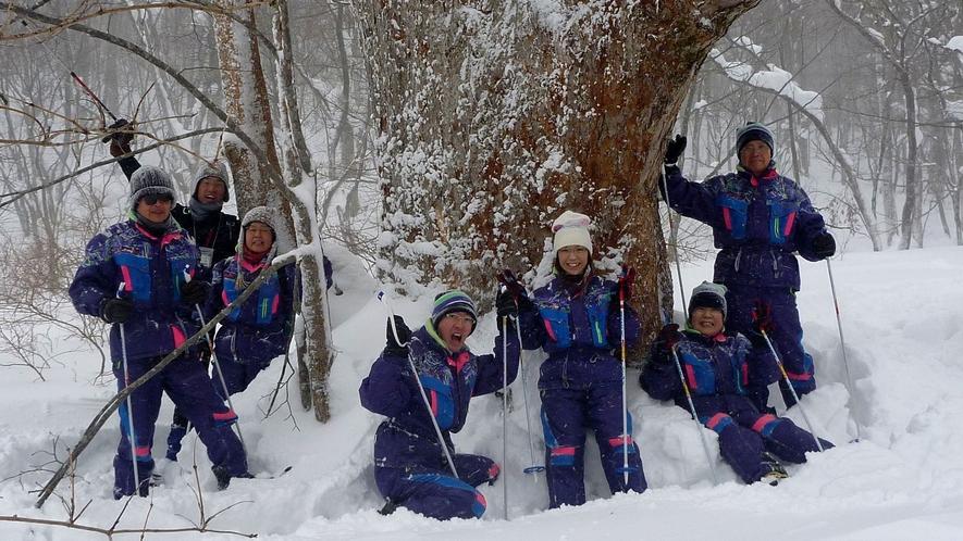 <冬>【猫魔の森スノーシュー】裏磐梯随一のパウダースノーエリアで楽しむ。手ぶらでOK♪