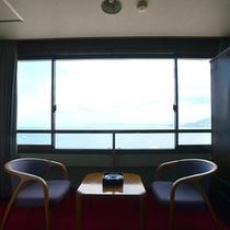 海側客室からは橘湾を一望できます。