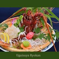 夕食の一例『伊勢海老の活き造り』 ※写真は2人盛り