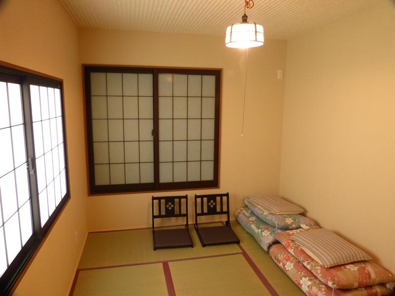 部屋(六畳)