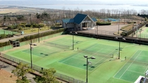 *<内灘町総合公園>テニスコート