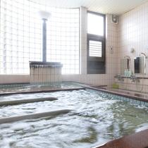 良質な天然温泉が1日の疲れを癒してくれます
