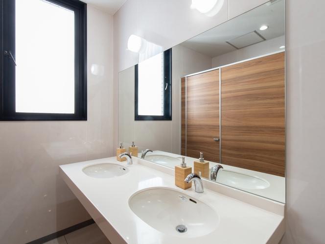 キャビン風カプセルルーム  トイレ