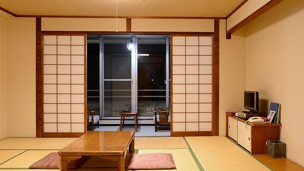 【喫煙】窓外は伊勢湾、絶景を望む海側和室(10〜12畳)
