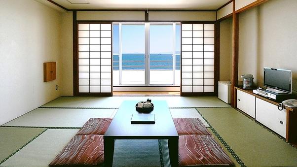 【禁煙】窓外は伊勢湾、絶景を望む海側和室(10〜12畳)