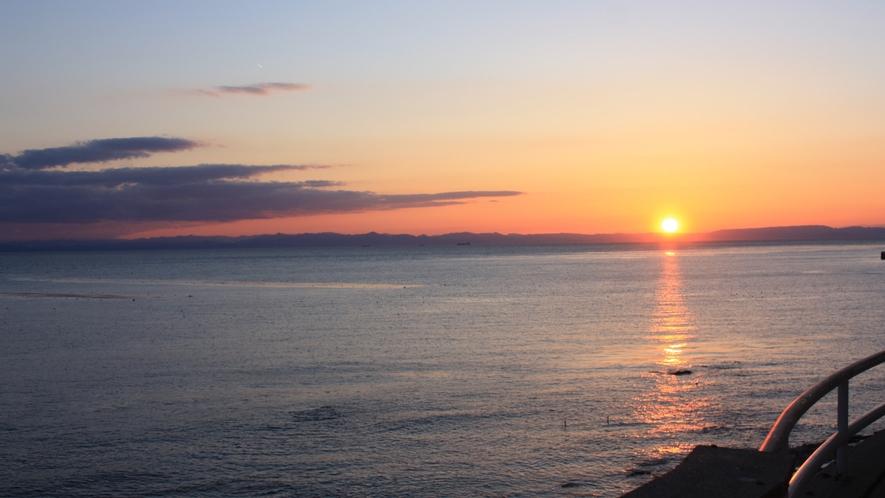 夕刻、海側客室からの眺望3