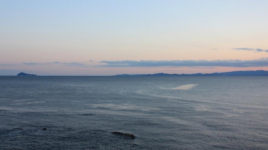 夕刻、海側客室からの眺望1