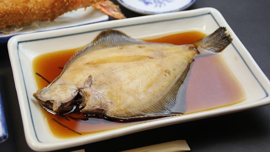 カレイの煮魚(コース料理内容の一例)