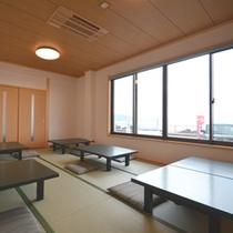 【お食事処】目の前に広がる日本海を眺めながら絶品の海の幸に舌鼓