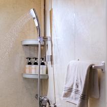 【レディースルーム】9階以上、高層階の浴室のシャンプーはミキモト製品をご用意しております。