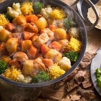 【9~11月限定・朝食ブッフェ】お肉のような大豆と自社農園野菜たっぷりの酢豚。