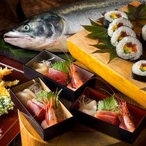 【夕食ブッフェ一例】新鮮魚介のお刺身もブッフェでお好きなだけどうぞ。(内容は季節により変更)