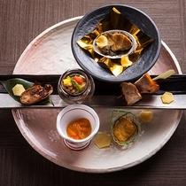 【もりの風茶寮・春】前菜は、宮崎県の地鶏やフグ、アユなどを贅沢に。