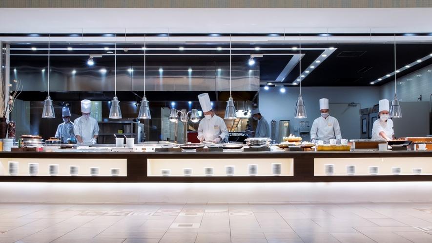 【ブッフェ・一例】和洋中、専門の料理人がバラエティに富んだブッフェメニューをご提供。