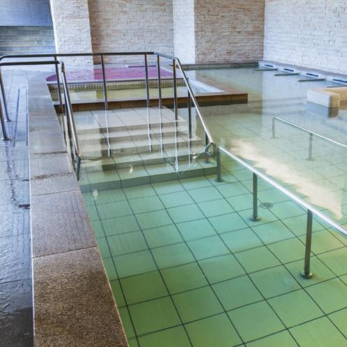 【お好み風呂HA-SHI-GO】立ち湯は水中ウォーキングもお楽しみいただけます。