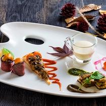 【ZEN・2018年秋】北海道産のサンマやマッシュルームなど秋の食材を使った歓迎の一皿。