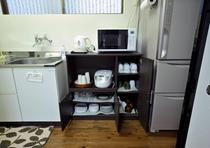 H調理器具の他に、電子レンジ、ポット