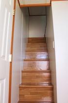 プレミアムスイートダブル ロフトへの階段