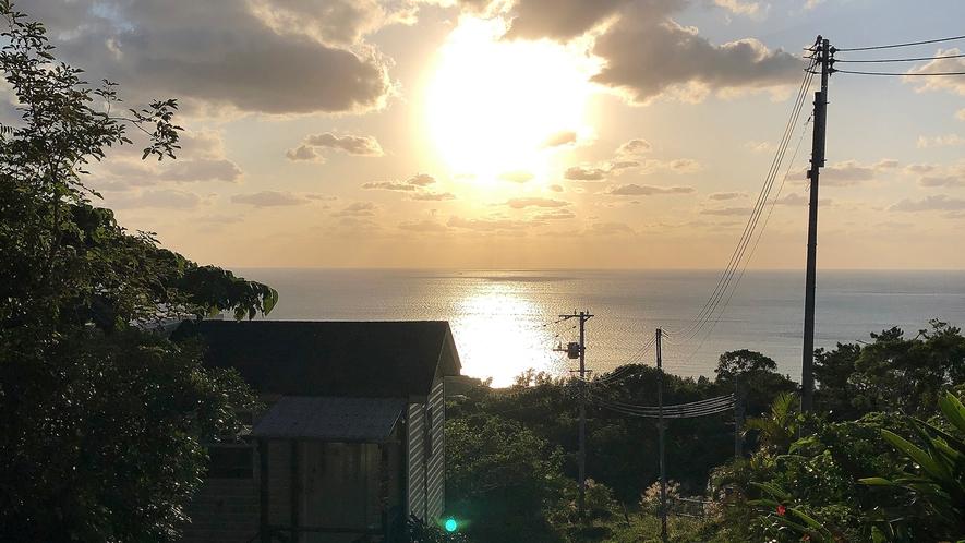 ・ダブルスイート:遮るものなく目の前に沈む夕日は絶景です